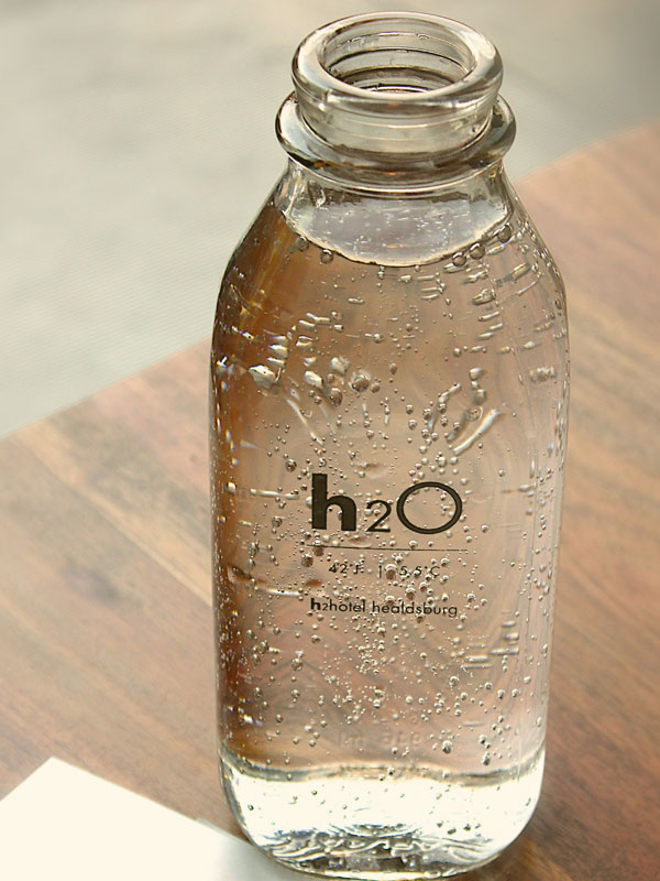 Vandens butelis be smėlio